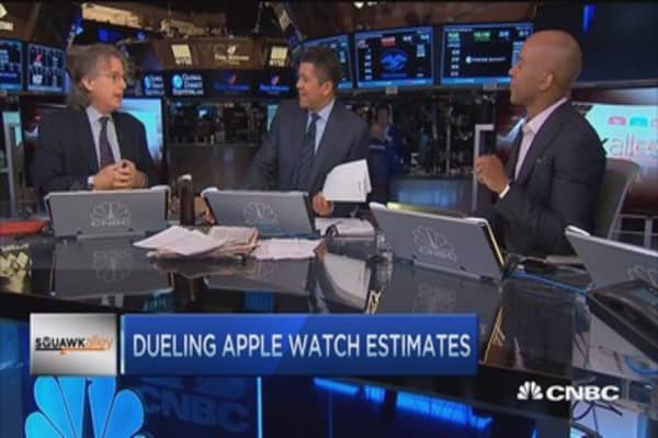 Dueling Apple Watch estimates