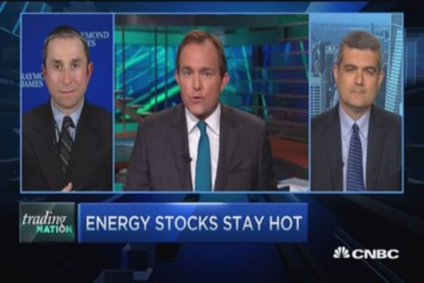 Energy stocks stay hot