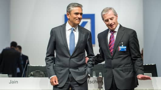 Anshu Jain (L) and Juergen Fitschen (R), co-CEO of the Deutsche Bank pose at Deutsche Bank's annual shareholder meeting on May 21, 2015 in Frankfurt am Main, Germany.