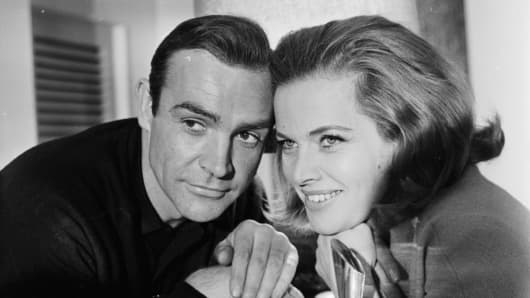 James Bond (Sean Connery) And Pussy Galore (Honor Blackman)