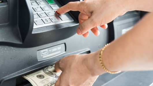 Banks Squeeze Record ATM Fees from Customers — FT