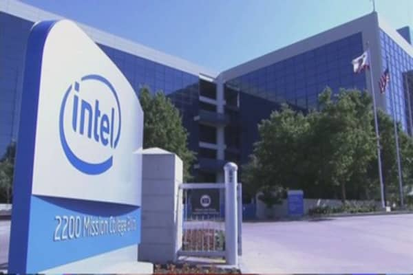 Intel looking to buy up rival chips