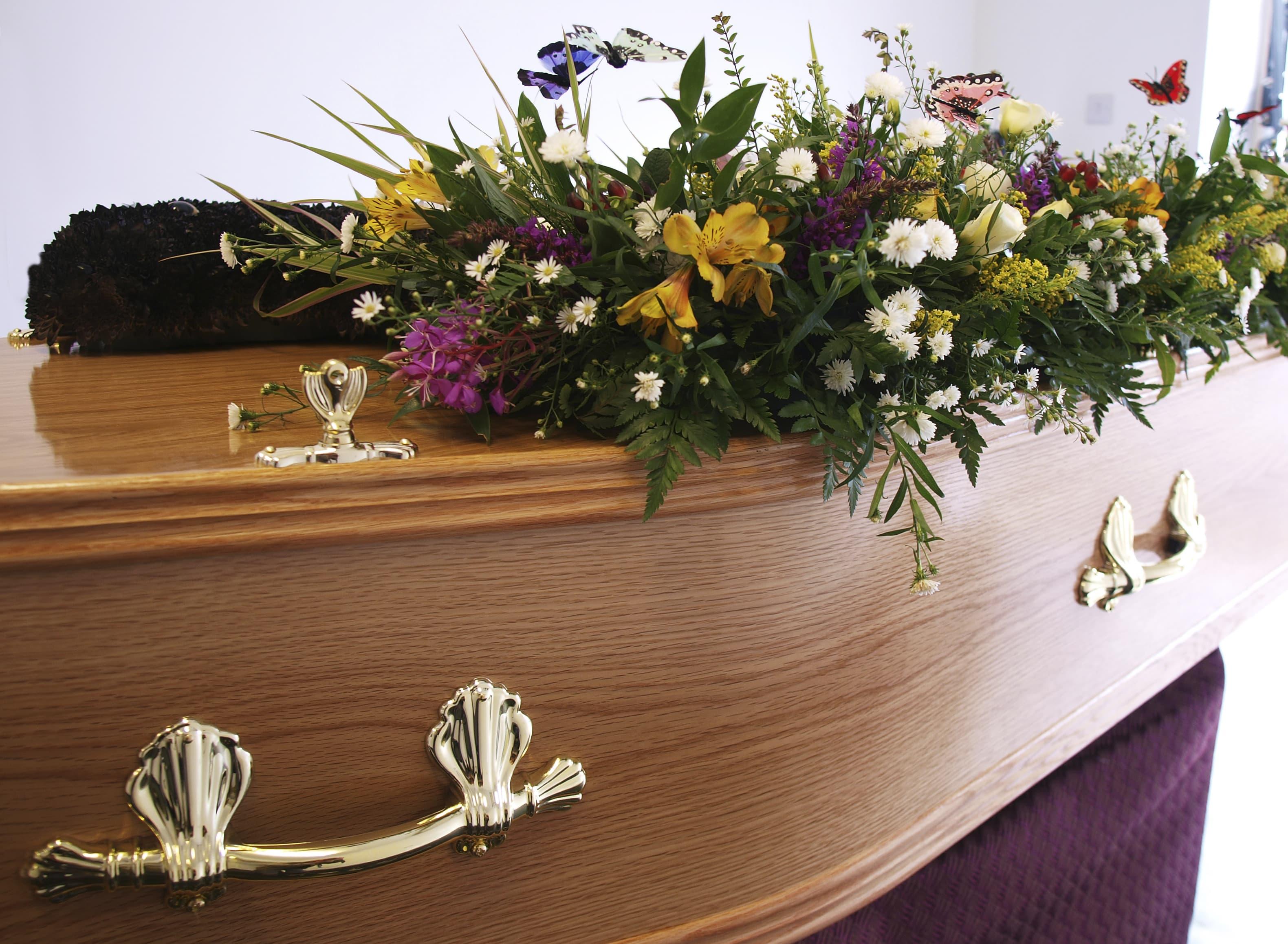 Plan your own funeral to avoid overspending izmirmasajfo