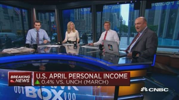 Personal income up 0.4%