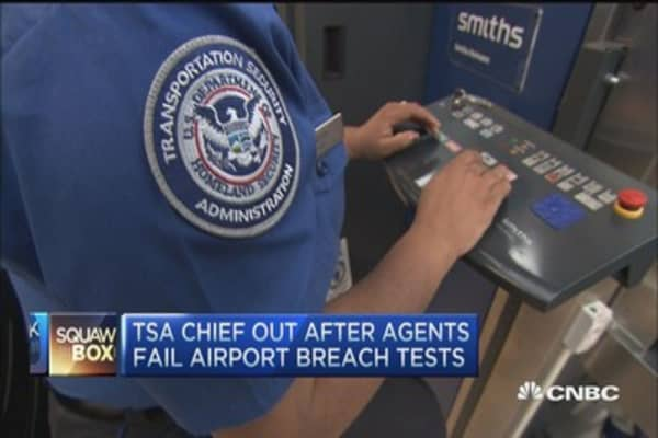 TSA chief out after agents fail airport breach test