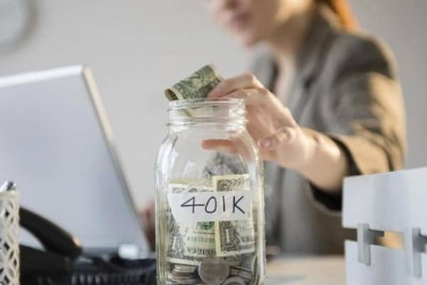 401(k) or IRA? Here's how to choose