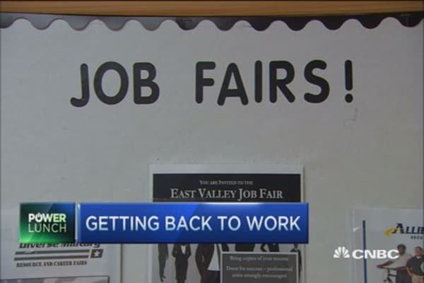 How the unemployed can get back into the job market