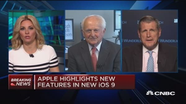 Apple cheap & undervalued: Strategist