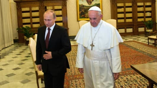 Pope Francis meets Russian President Vladimir Putin in 2013
