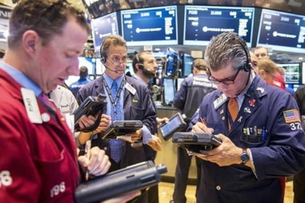 Stocks regain footing, seek further gains
