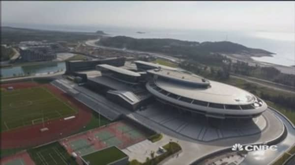 This Chinese firm models HQ after Star Trek's Enterprise