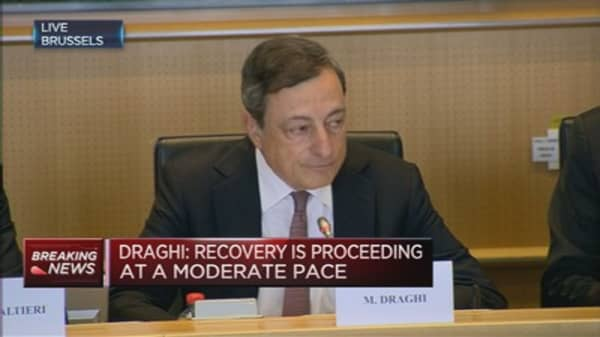 ECB will make decisions on Greece independently: Draghi