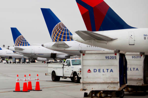 United Airlines and Delta Airlines jets