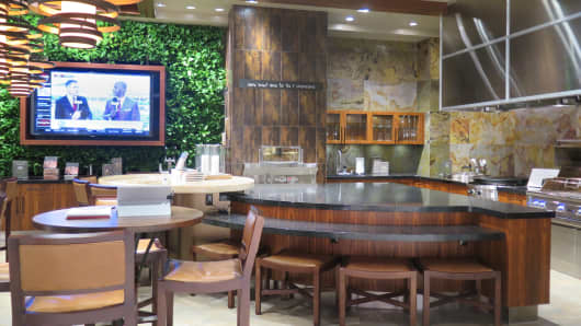 Pirch's patio vignette at its Garden State Plaza store in Paramus, New Jersey.