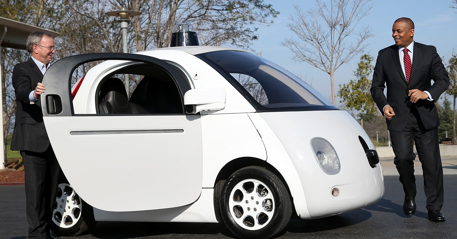 autonomous cars Autonomous cars are on the way, here's all the info you need to know about the future of driving.