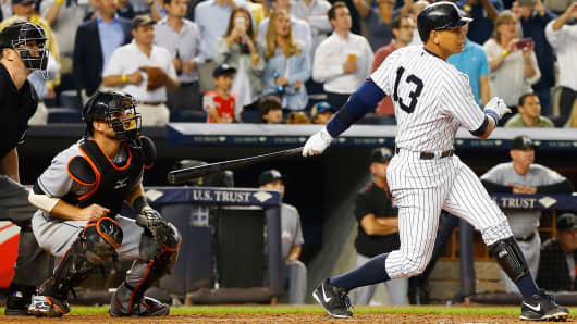 New York Yankees' Alex Rodriguez flies out to end the sixth inning in a game against the Miami Marlins at Yankee Stadium in New York, June 18, 2015.