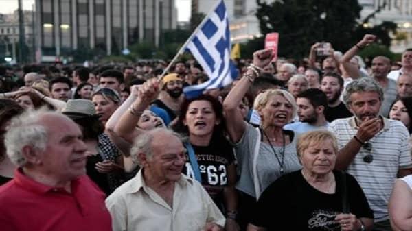 Grexit a 'danergous experiment': Larry Summers