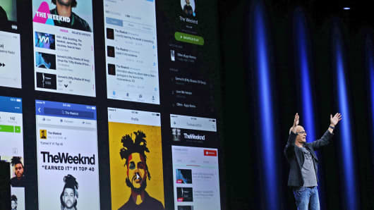 Jimmy Iovine announces Apple Music during Apple WWDC in San Francisco, June 8, 2015.