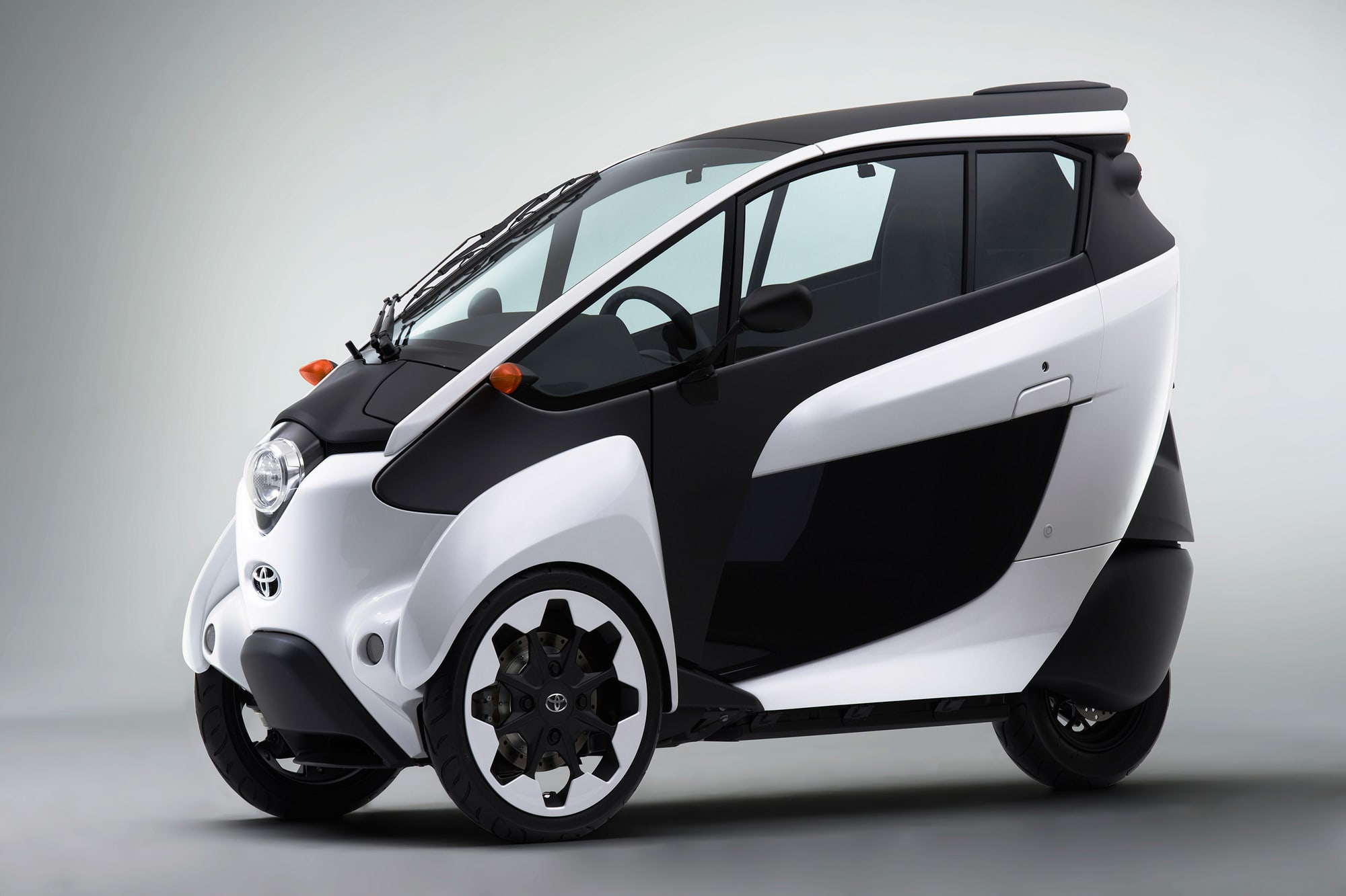 Tiny Electric Three Wheeled Vehicle Nve Media Toyota Shows The Iroad A Fullyenclosed Tilting Electra Meccanica Solo
