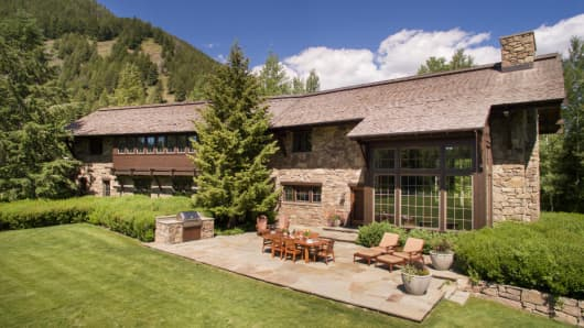 Former Lehman CEO Dick Fuld is auctioning off his 71-acre Sun Valley ranch.