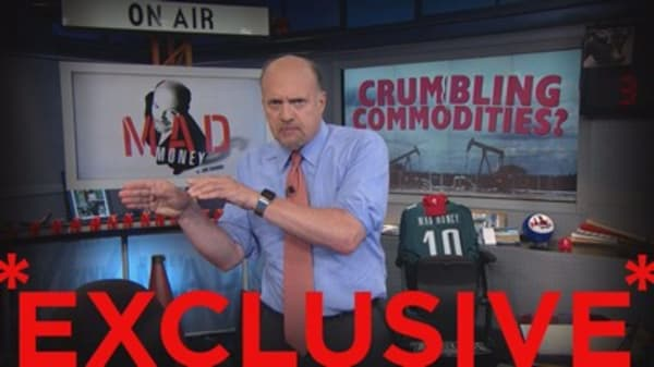 Cramer: This stock has recession written all over it