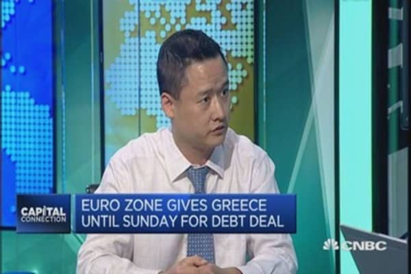 Expect more downside risks for the euro: Nomura