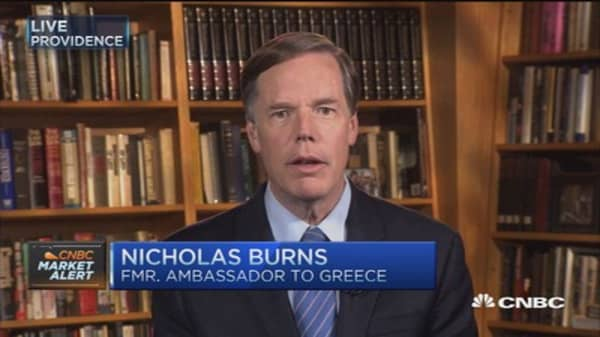 Two options for Greece: Fmr. Ambassador to Greece
