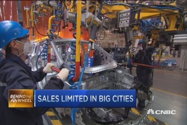 China auto sales shows signs of stalling
