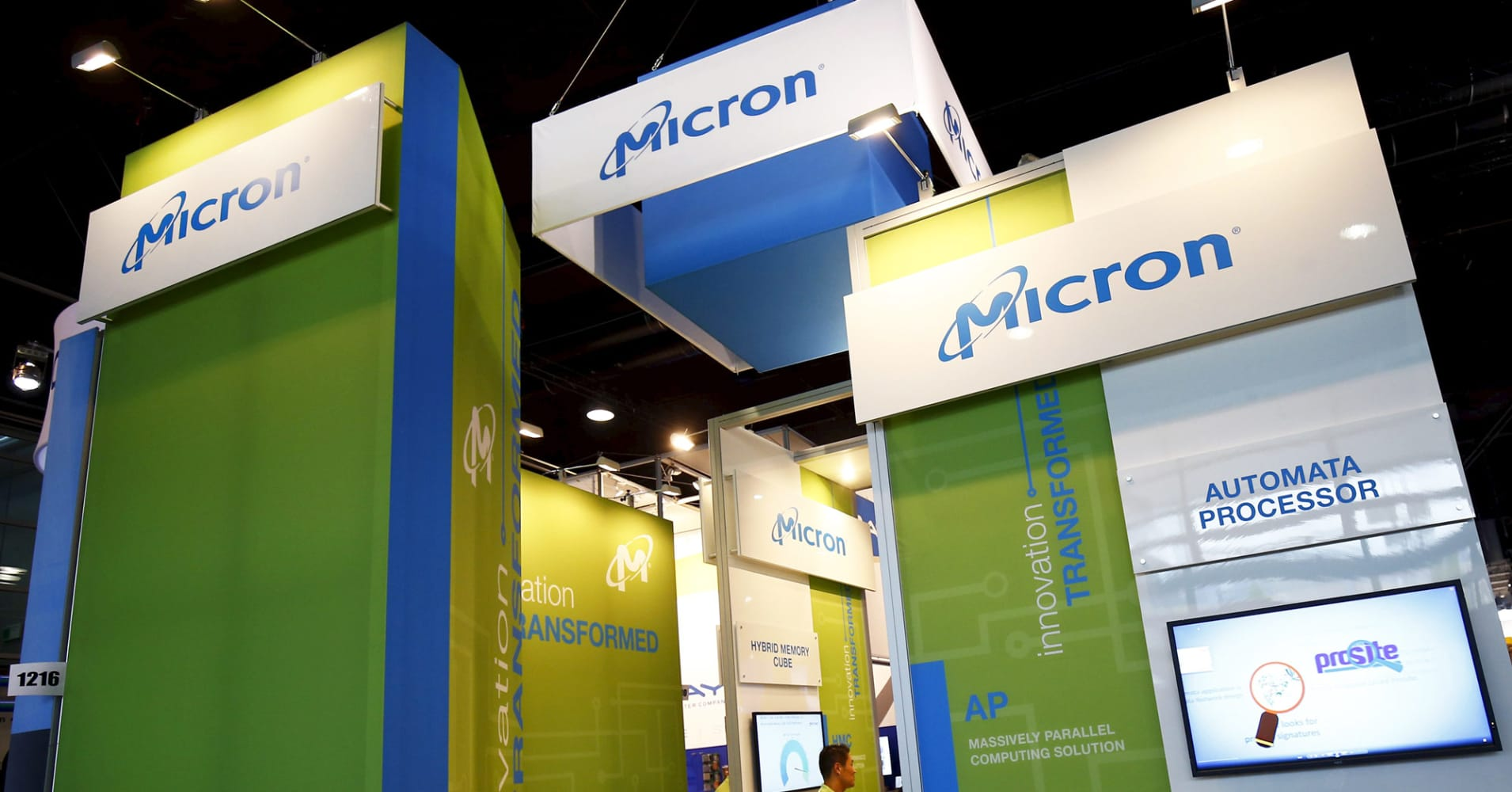 Micron is surging, but chart points to a more than 50% drop, technician says