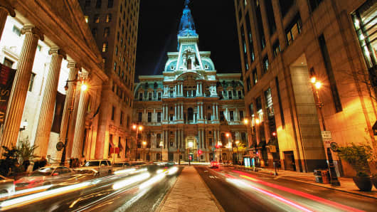 Cars driving near Philadelphia City Hall