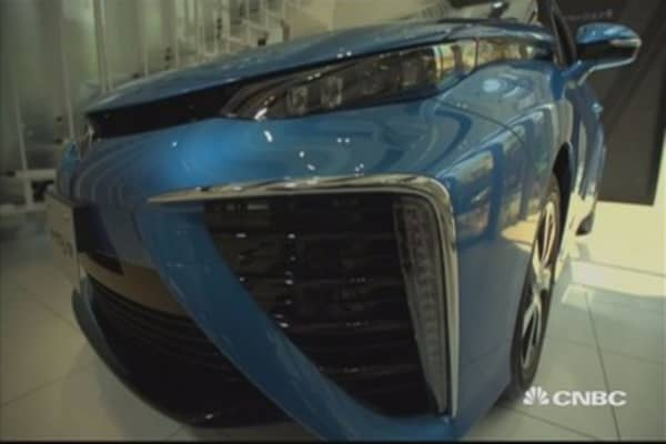 Toyota embraces hydrogen cars