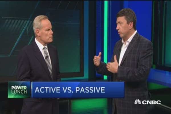Passive vs. active funds: Where is your money best?