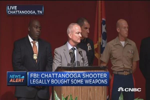 FBI: Chattanooga shooter legally bought weapons