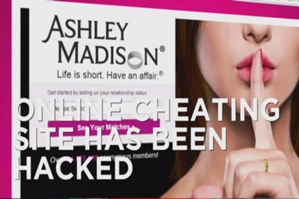 AshleyMadison hack threatens to expose users