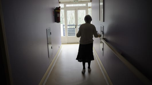Alzheimer's Disease woman