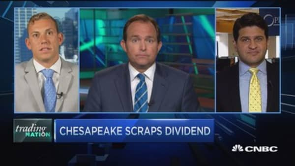 Trading Nation: Chesapeake scraps dividend