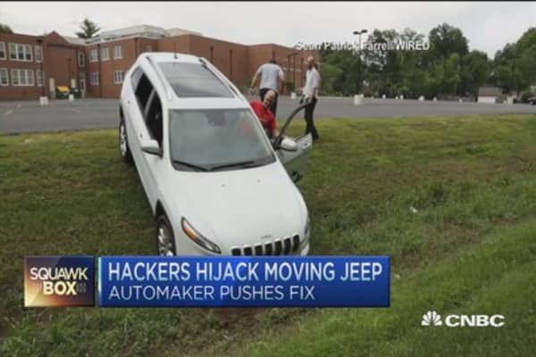 Hackers hijack moving Jeep... shocking video!