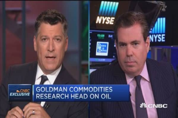 Downside risk to $1050 gold target: Goldman's Currie