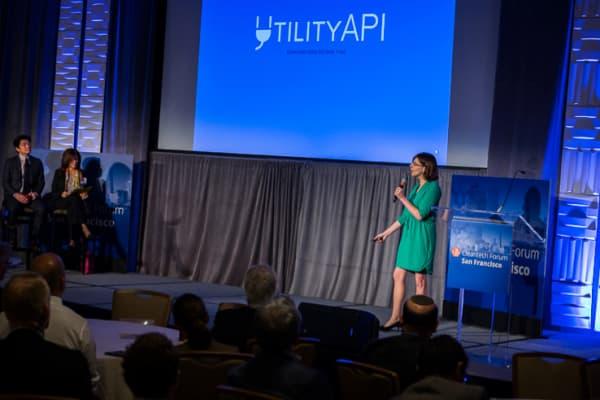 Elena Lucas, Utility API