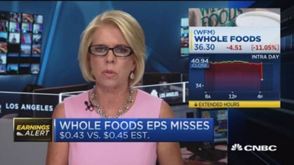 Whole Foods misses; Gives light Q4 EPS guidance