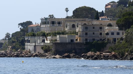 A picture shows the villa of the Saudi king in Vallauris Golfe-Juan, southeastern France. The closure of the beach in front of his villa has incensed local residents.
