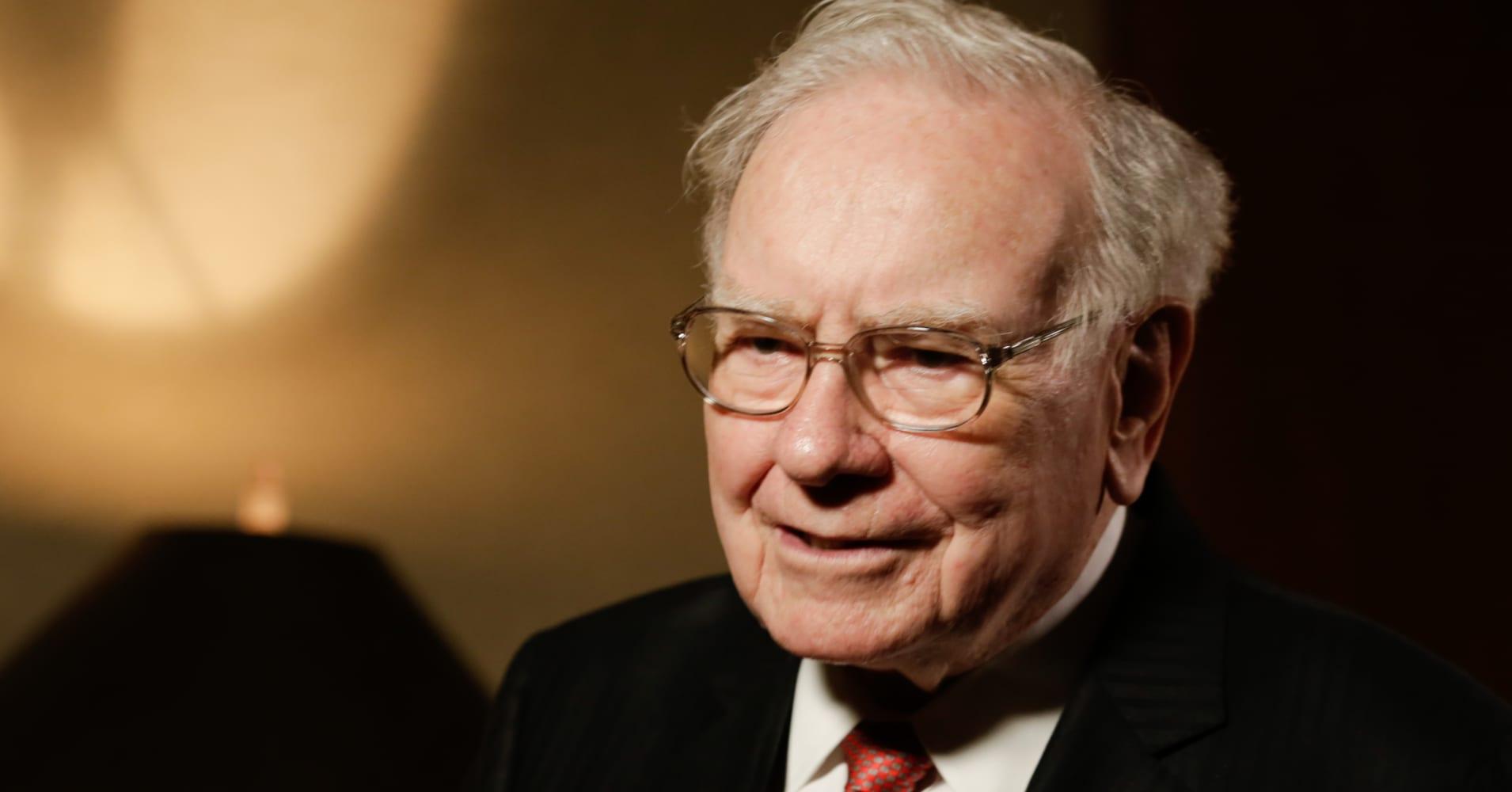 did warren buffett signal new ibm stock buy