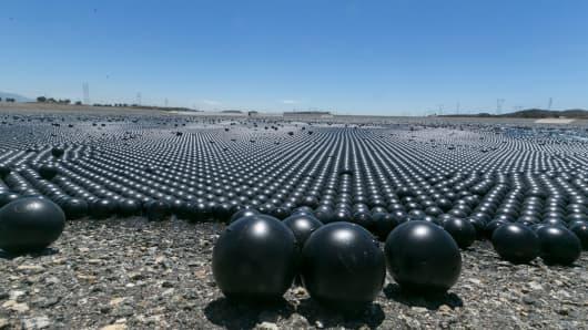 Shade balls' protect LA water supply during drought