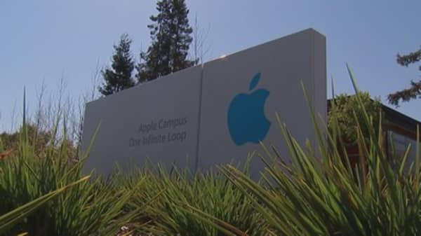 Apple's self-driving car still down the road