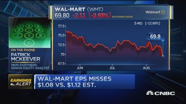Wal-Mart reports Q2 earnings miss, beats on revenue