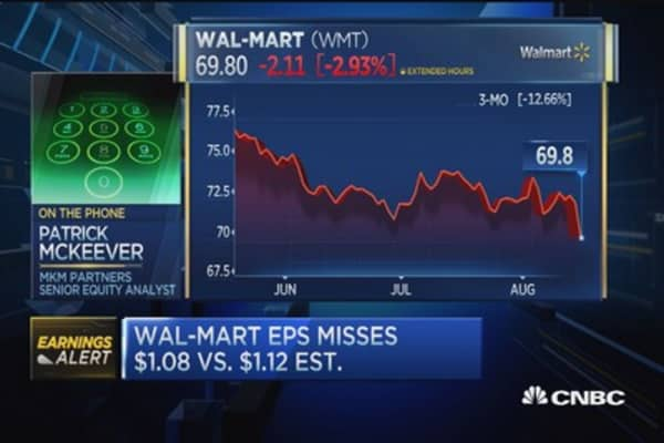 Wal-Mart reports Q2 earnings miss, beats on revenue