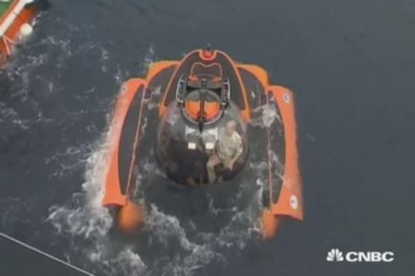 Putin in a sub? Russian prez dives in Black Sea