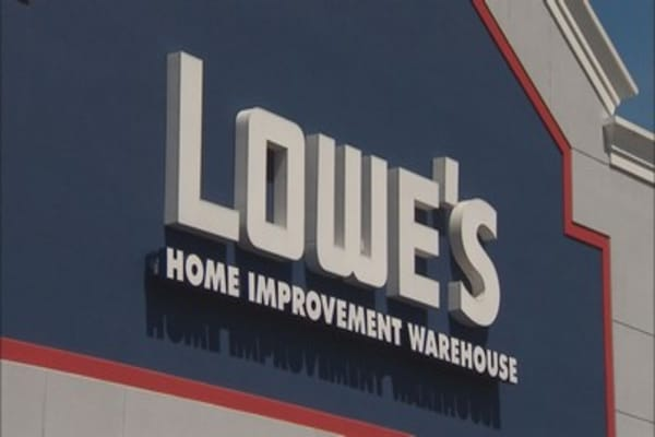 Lowes building on big ticket sales