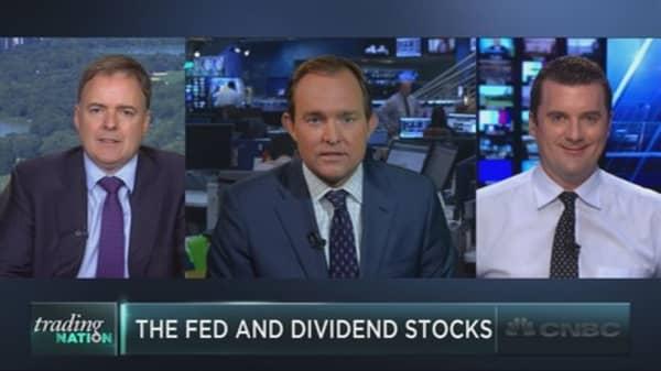 Trading high-dividend stocks
