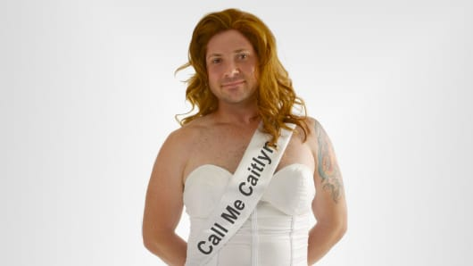 caitlyn jenner halloween costume sparks social media outrage